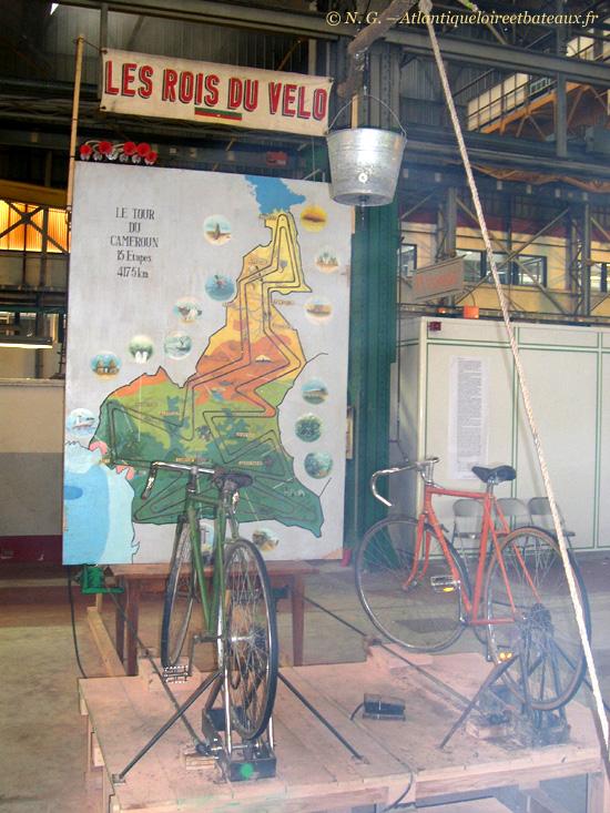 Royal de  Luxe - Tour du Cameroun en vélo